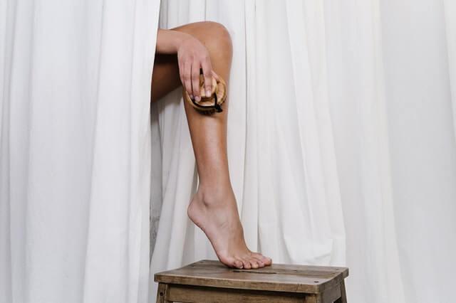 בריאות איך מסירים את העור הקשה בכף הרגל